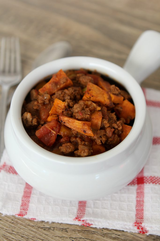 Sweet Potato + Chocolate Chili from the Whole Smiths. Paleo friendly, gluten-free and Whole30 compliant. A MUST Pin, will make again and again!