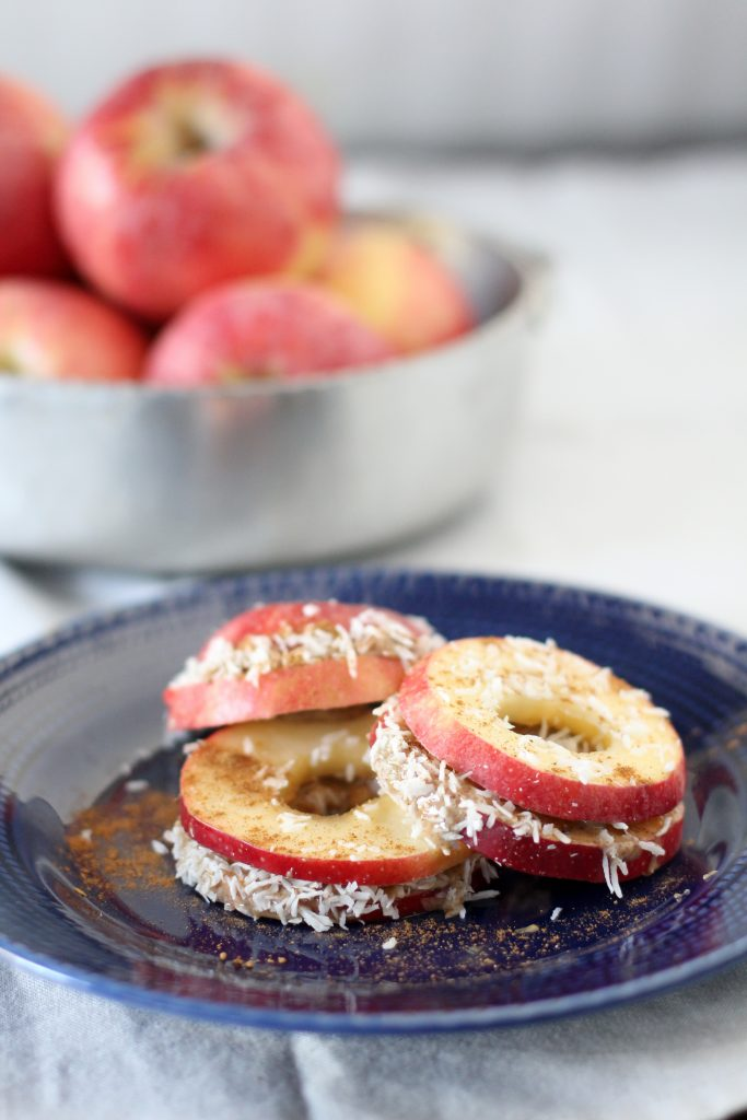 Apple + Almond Butter Sandwiches from the Whole Smiths. The PERFECT after-school snack that kids and grown-up alike will love. Gluten-free, paleo friendly and even Whole30 compliant! Pin, Pin, PIN!
