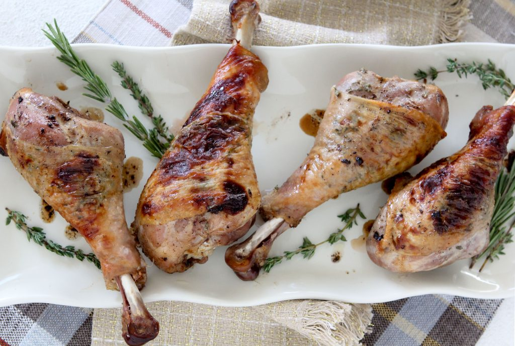Friendsgiving will never be the same! These Apple Cider Braised Turkey Legs from The Whole Smiths are insane. Check it out along with a full Friendsgiving menu!
