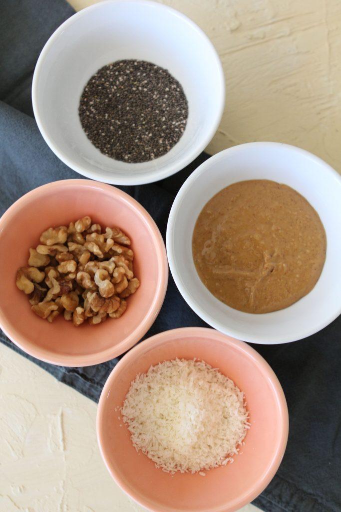 ingredients for making paleo scrambled chocolate banana eggs